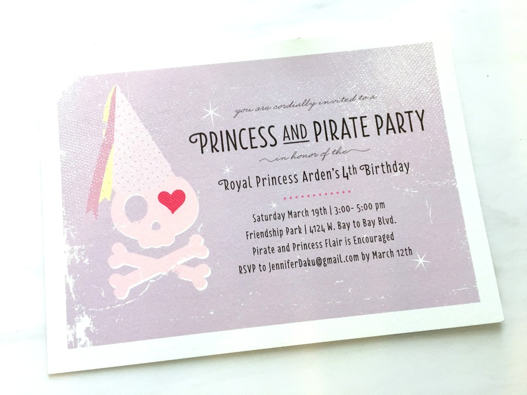 Pirate and Princess themed birthday party invitations #partyinvitations |www.thechampagnesupernova.com