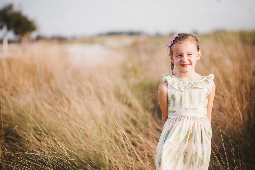 What to Wear for Family Photo Sessions | The Champagne Supernova