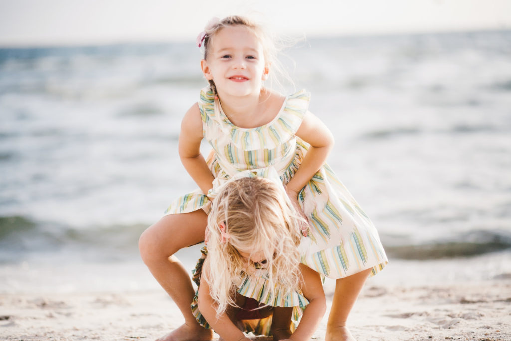 How to Dress Your Family for Photo Sessions | The Champagne Supernova