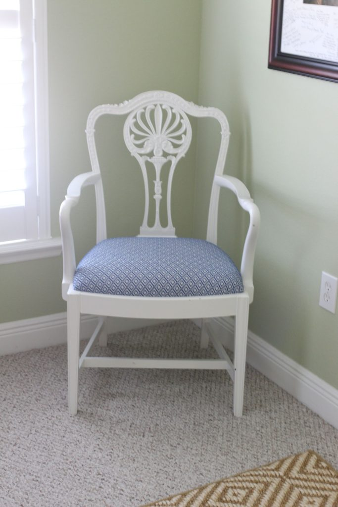How to redecorate an ugly guest room in your house   The Champagne Supernova