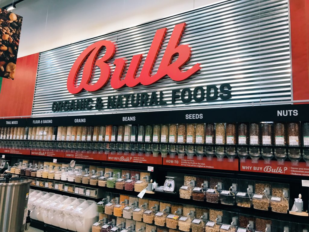 Earth Fare bulk selection in their grocery store | The Champagne Supernova