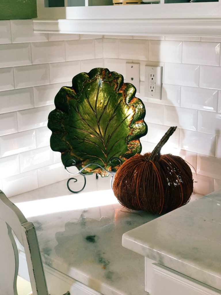 Fall themed kitchen decor | The Champagne Supernova