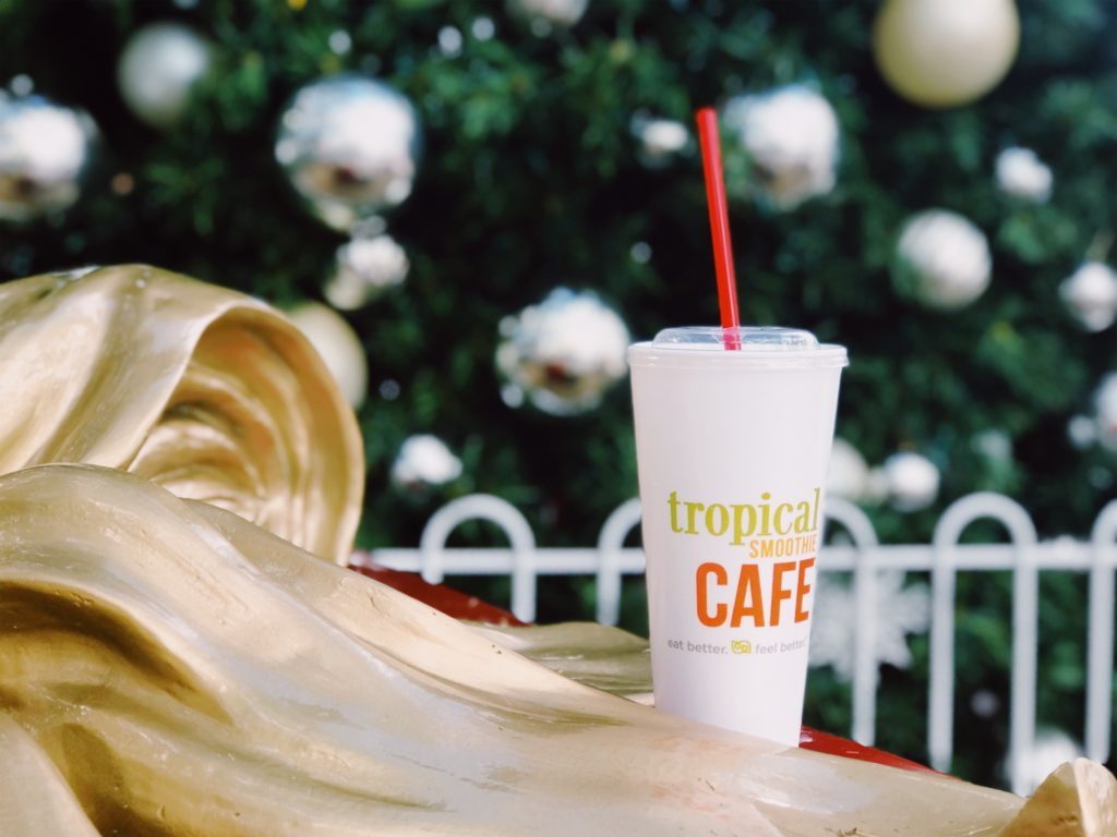 Holiday smoothies from Tropical Smoothie Cafe | The Champagne Supernova